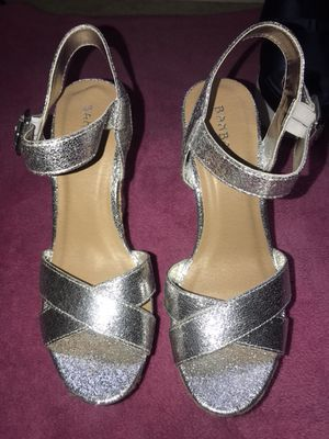 Woman's sliver wedges for Sale in Forest Heights, MD