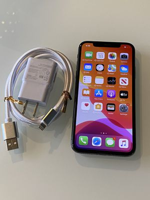 iPhone X 64 GB black factory unlock for Sale in Los Angeles, CA