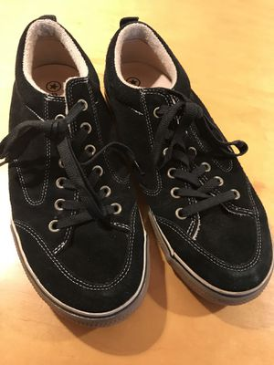 Converse shoes mens black for Sale in Tampa, FL