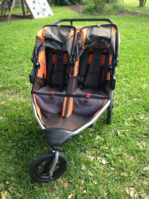 Bob SE Duallie Double Stroller for Sale in Fairfax, VA