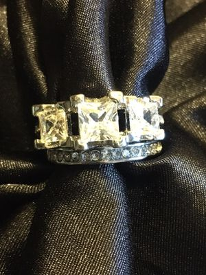 Simulated 2pc White Sapphires Silver Plated Ring Size 8 for Sale in Raymore, MO