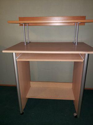 Small Desk w/shelf for Sale in Kent, WA