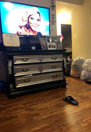 Reupholstered Tv stand for Sale in Philadelphia, PA