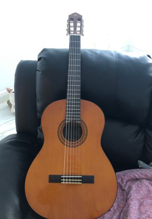 Classic guitar for Sale in Miami, FL