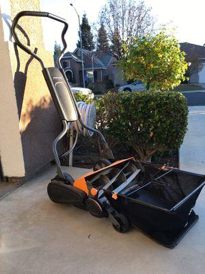 Push lawn mower for Sale in Clovis, CA