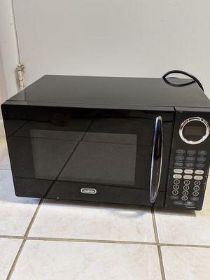 Black 900 Watt Microwave for Sale in Takoma Park, MD