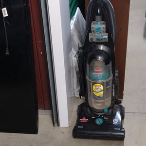 Bissell cleanview Helix Vacuum Cleaner for Sale in Fort Washington, MD