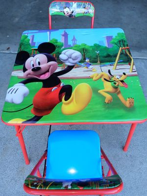 Kids mikemousse table and 2 chairs for Sale in Jurupa Valley, CA