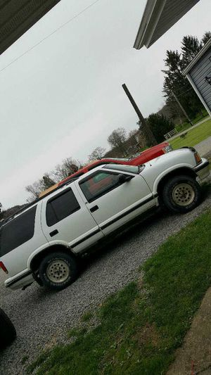 97 Chevy blazer blown motor for Sale in Ellwood City, PA