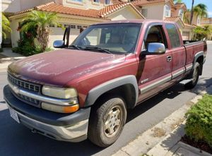 2000 Chevrolet Silverado 1500 4dr Extended cab for Sale in San Diego, CA
