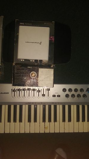 M- audio session with fast track usb plus piano 🎹: (digital design) pro tools : for Sale in Colton, CA