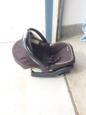 Graco SnugRide Click Connect 35 Car Seat & Base for Sale in San Diego, CA