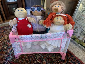 4 original cabbage patch dolls, bed, extra clothes, shoes for Sale in Danville, CA