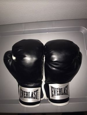 Boxing gloves for Sale in Rancho Cucamonga, CA