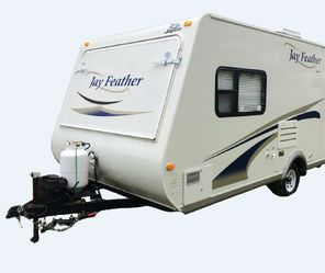 ﹙Large And Beautiful This Jayco Jay Feather﹚ for Sale in Gainesville,  FL