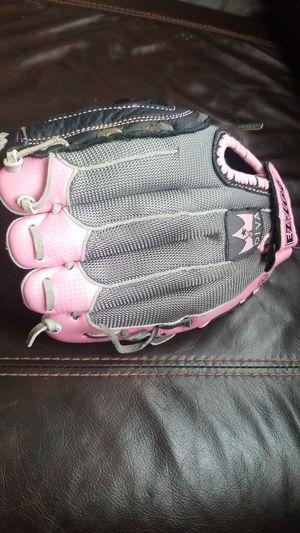 """Softball Glove-EZ Loc Diva 11"""" for Sale in Oak Lawn, IL"""
