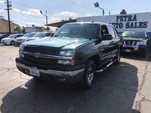 2004 Chevrolet Avalanche for Sale in Bellflower, CA