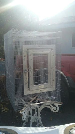 Large metal Birdcage perfect for parrot or even small birds stand not included for Sale in San Jacinto, CA