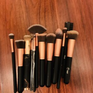 Brushes Set All For $13 for Sale in Pasadena, CA