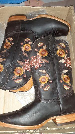 botas de mujer número 9 nuevas for Sale in Riverside, CA