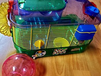 Like NEW Hamster / Mice Cage with Accessories for Sale in Everett,  WA