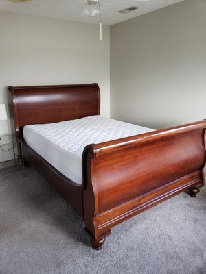 Queen sleigh bed w/ 12 in Dutch almost brand new Dutch Craft Memory Foam for Sale in Knoxville, TN
