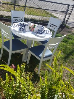 Real wood dining table 4 chairs shabby chic white painted BEAUTIFUL 42x42 for Sale in Ontario,  CA