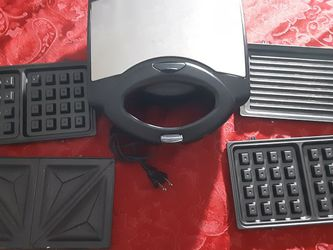 Sandwich Maker Good Condition With 5 Different Pieces Selling $10 for Sale in Miami,  FL
