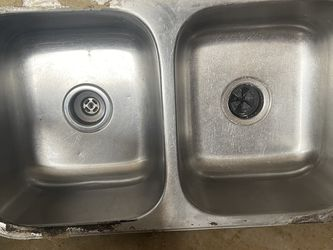 Under mount Stainless Steel Double Sink ( Need Gone ) for Sale in Flower Mound,  TX