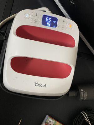 Cricut Heat press for Sale in Chicago, IL