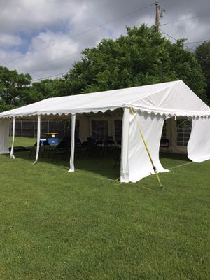 PARTY TENT 20 x 26 for Sale in Dallas, TX