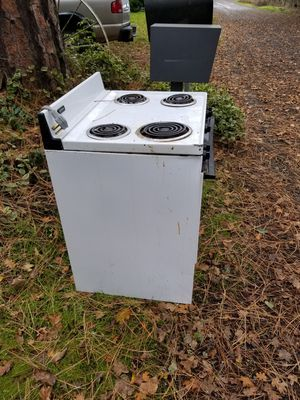 Free Electric Stove / Oven / Scrap Metal for Sale in Beaverton, OR