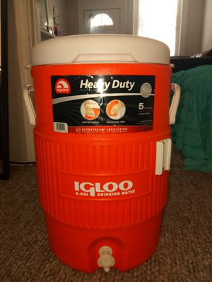 Igloo 5 gallon Drinking Cooler for Sale in St. Louis, MO