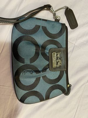 Medium size coach coin purse for Sale in Daly City, CA