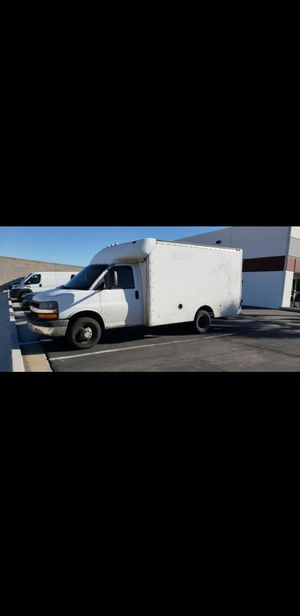2006 CHEVY BOX TRUCK for Sale in Las Vegas, NV