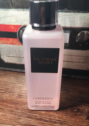 Fabulous mist from VS for Sale in Minot, ND
