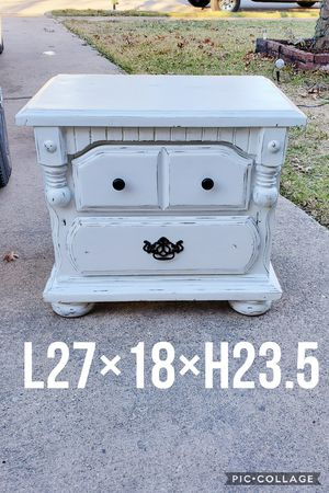 (1) night stand side table refinished white and black pulls for Sale in Cedar Hill, TX