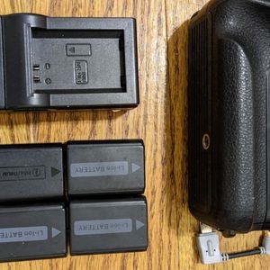 Sony Mirrorless A6000 Series Batteries And Charger Best Offer for Sale in Philadelphia, PA