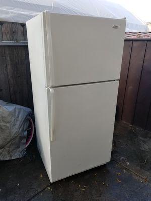 Whirlpool Refrigerator for Sale in Manteca, CA