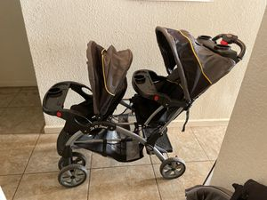 Sit n stand double stroller for Sale in Clovis, CA