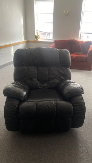 Leather recliner for Sale in Wabasha, MN