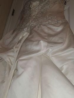 Size 14 David's Bridal Used Wedding Dress for Sale in Graham,  WA