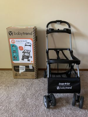 Car Seat carrier. Universal infant car seat carrier, snap n go. With box. Used couple of times for Sale in Cranberry Township, PA
