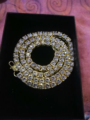 18k gold and crystal Tennis Chain for Sale in Cleveland, OH
