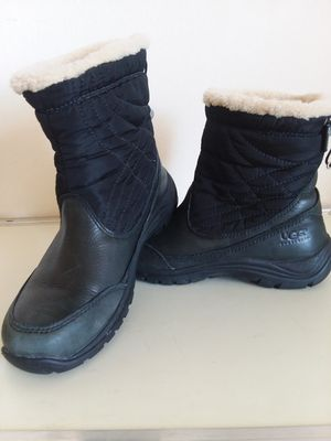 Ugg Australia Women's Black Leather Waterproof Event Boots Vibram Soles Sz 8 for Sale in Silver Spring, MD