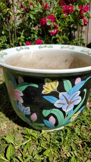 Large chinese ceramic flower pot planter for Sale in Cleveland, OH