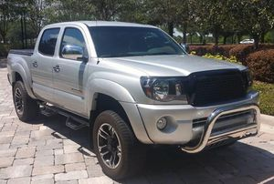 Great2OO6 Toyota Tacoma Urgent for Sale in Hayward, CA