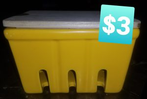 Food storage container for Sale in Las Vegas, NV