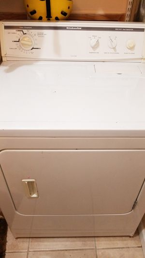 Kitchenaide Washer dryer set. Still functioning well. Dryer is perfect. Washer has a bit more normal wear and tear. for Sale in North Bay Village, FL