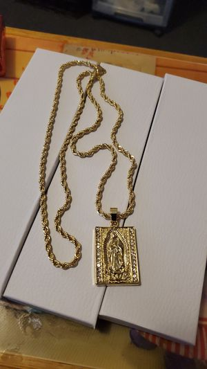 30 inch 14k Gold plated rope chain and pendant for Sale in Los Angeles, CA